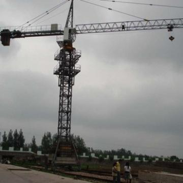 8t Travelling Yellow Tower Crane With High Quality